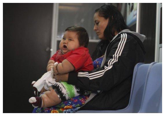 c72392bcc90 Μωρό-γίγας: Μόλις 8 μηνών και είναι 20 κιλά! | ... live-in ζούμε τις ...